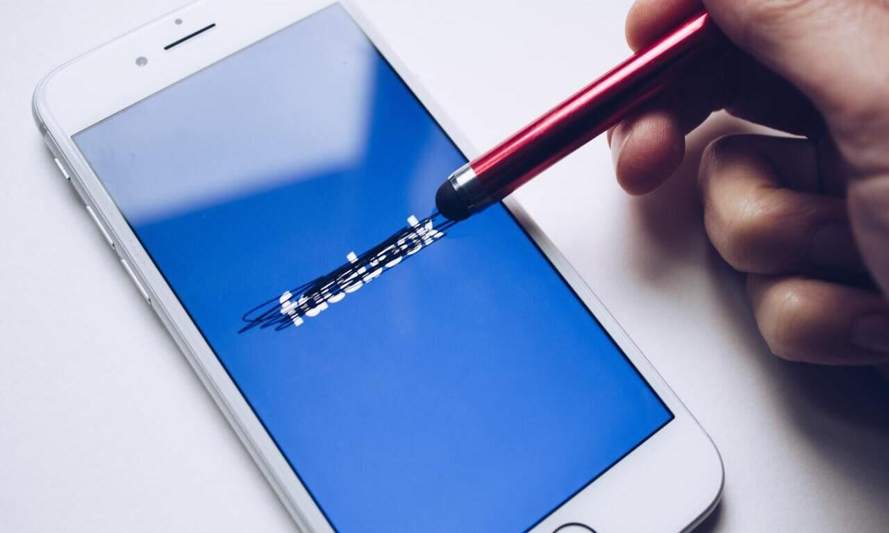 Come vedere il tempo trascorso su Facebook