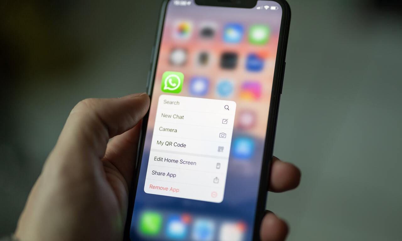 Come bloccare messaggi WhatsApp da numeri non in rubrica